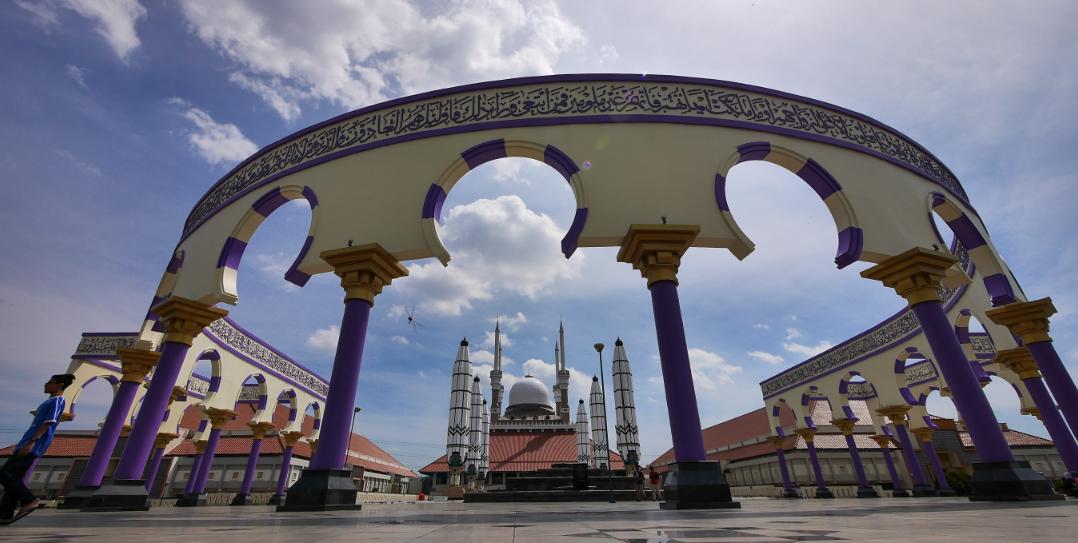 Masjid Agung Jawa Tengah, Masjid Berpayung Motoris