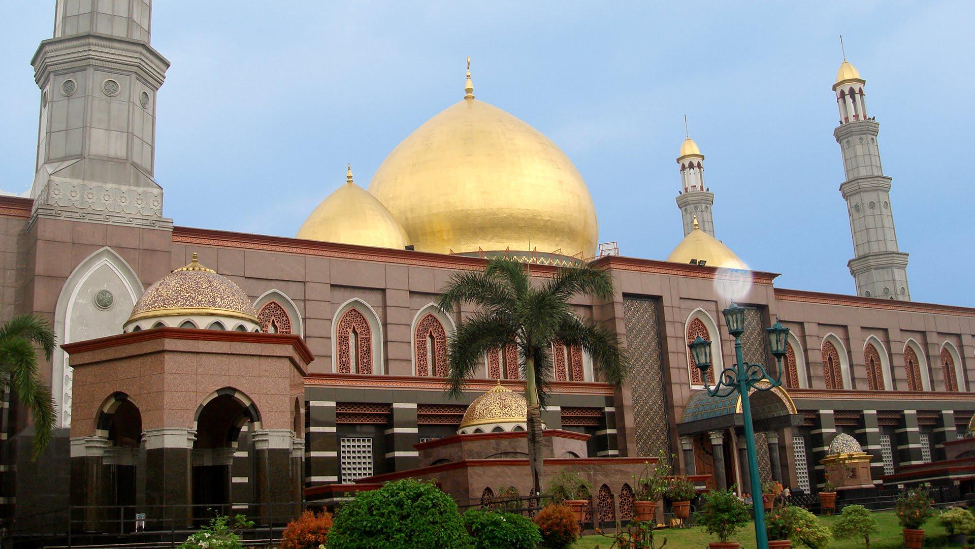 Masjid Kubah Emas Depok, Masjid Dian Al Mahri